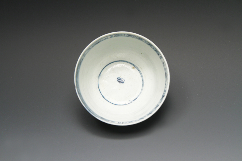 1083 - A fine James Pennington Liverpool teabowl, c 1758-60